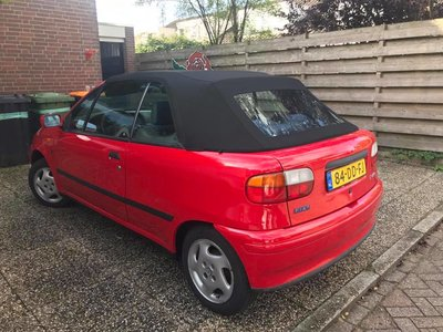 Fiat Punto cabriolet. Stoffen cabriolet dak met pvc ruit incl. montage aan huis vanaf  920,-